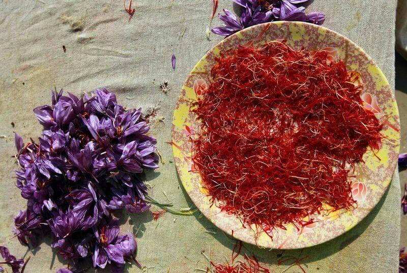 nhuy hoa nghe tay ho tro chung roi loan tien kinh nguyet - Top 10+ Tác Dụng Nhụy Hoa Nghệ Tây Khó Cưỡng