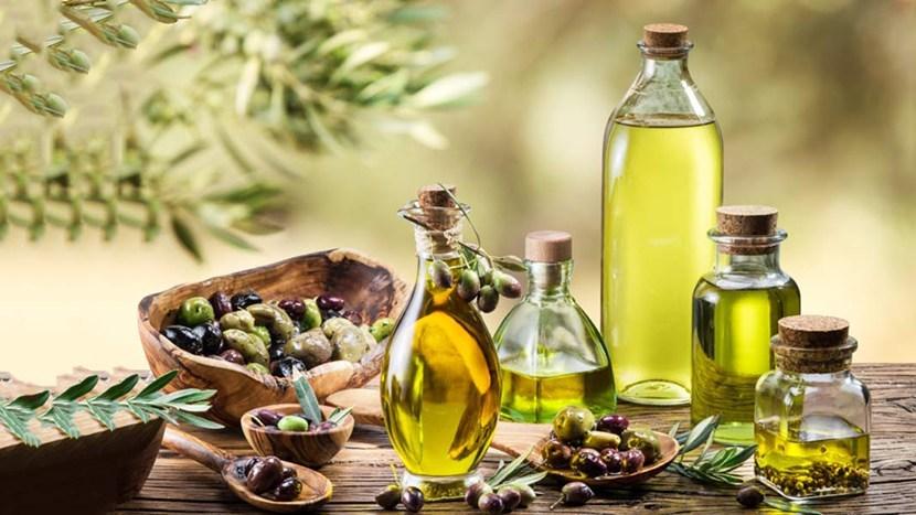 """dau olive cap cuu toc hu ton - Saffron Và Dầu Olive - """"Cấp Cứu"""" Tóc Hư Tổn"""