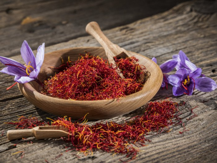 "saffron cap cuu toc hu ton - Saffron Và Dầu Olive - ""Cấp Cứu"" Tóc Hư Tổn"